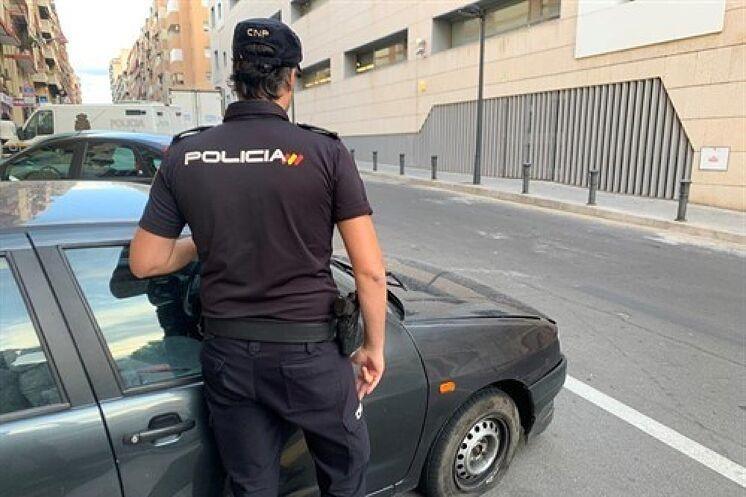 Un agent de la police