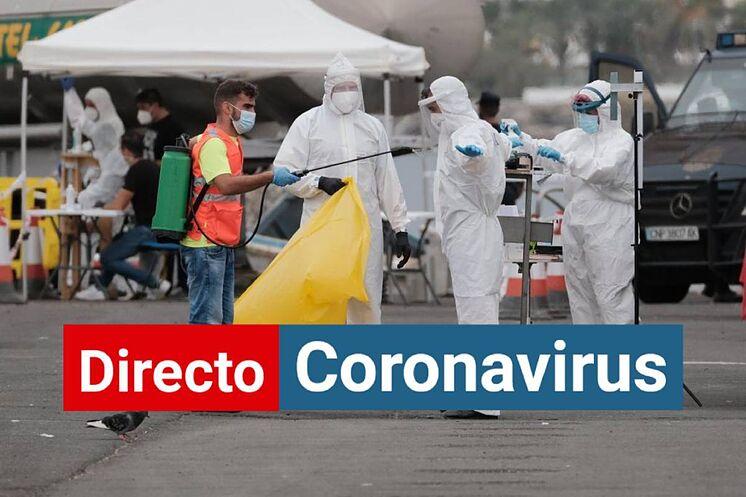 Dans le port d'Arguineguín, à Gran Canaria, ils se préparent à ...