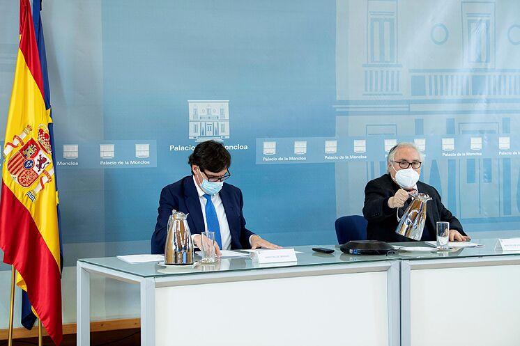 Les Ministres de la Santé et des Universités, Salvador Illa et Manuel ...