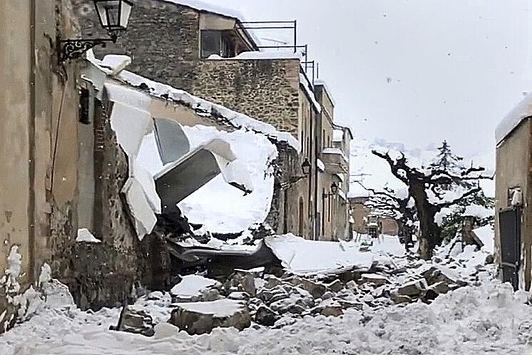 La cave Celler Vall Llach, à Porrera (Tarragone), avec une partie du ...
