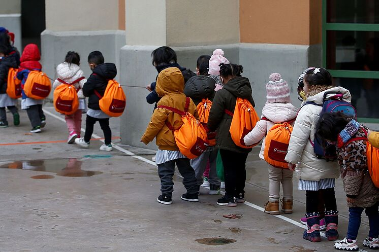 -Étudiants de l'Escola Sagrat Cor de Barcelona à leur retour en classe.