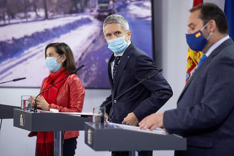 Le ministre de l'Intérieur, Fernando Grande Marlaska, avec le ...