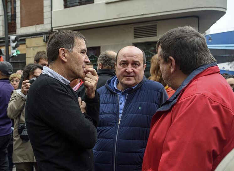 Arnaldo Otegi s'entretient avec Andoni Ortuzar et Jos