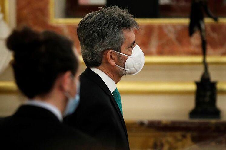 Carlos Lesmes, avec Pablo Iglesias, dans l'acte au Congrès pour ...