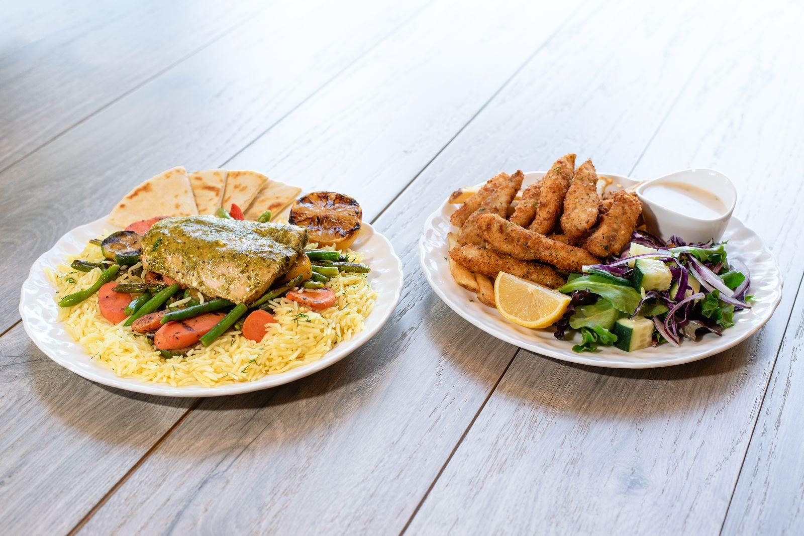 Les nouveaux plats d'inspiration méditerranéenne qui mettent en valeur le saumon d'Alaska sauvage et le poisson blanc pané seront disponibles dans tous les restaurants de Daphné jusqu'au 5 juillet 2021.