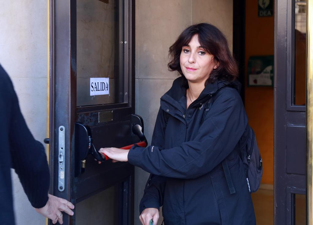 Juan Rivas, quittant le tribunal de Grenade après avoir recueilli la condamnation.