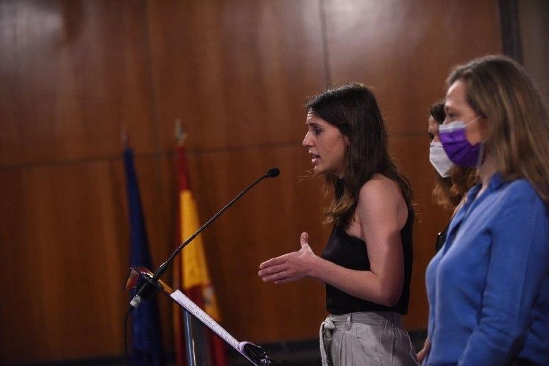 La ministre de l'Égalité, Irene Montero, lors d'une conférence de presse.