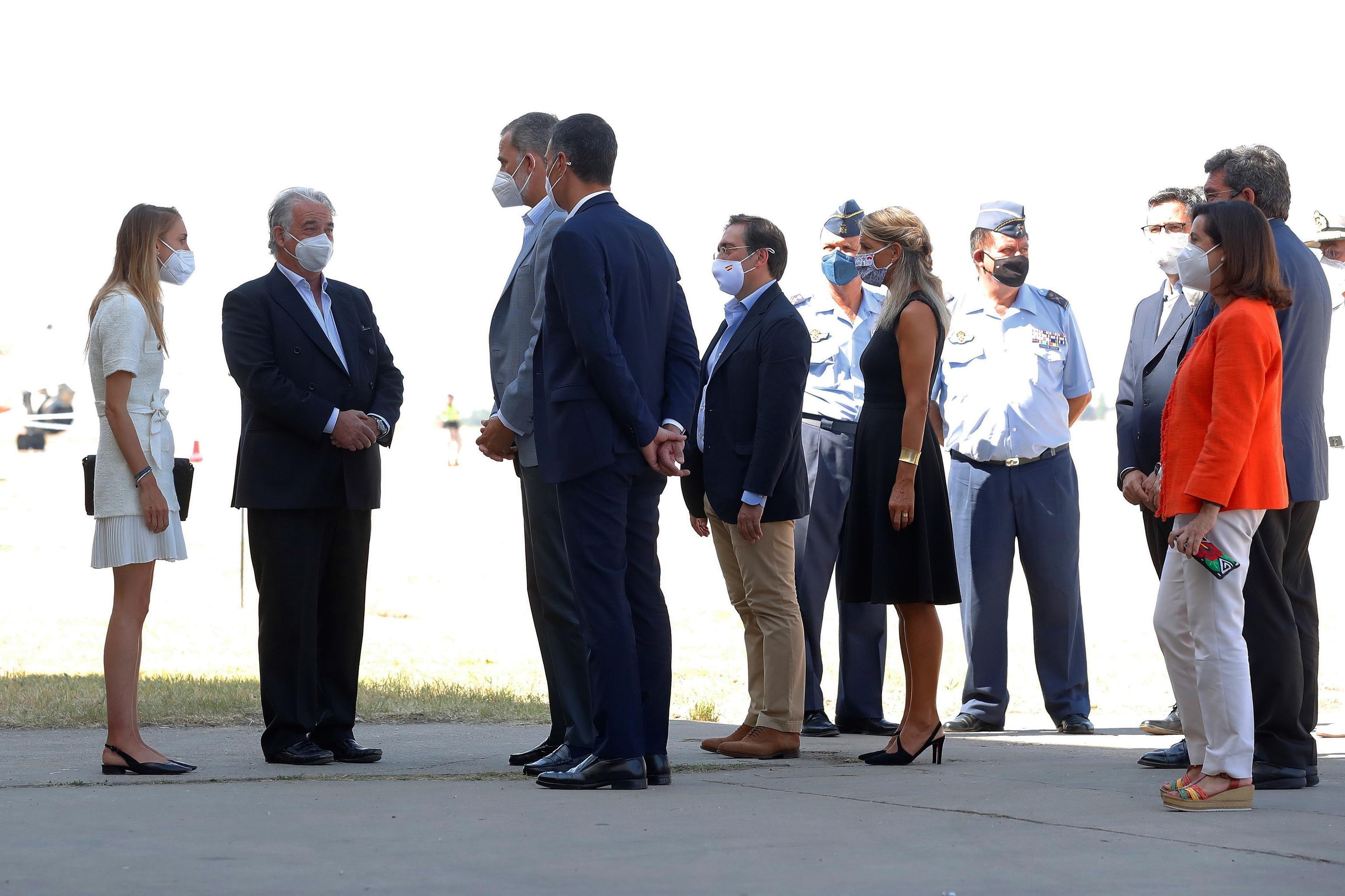 Felipe VI avec l'ambassadeur et son second.