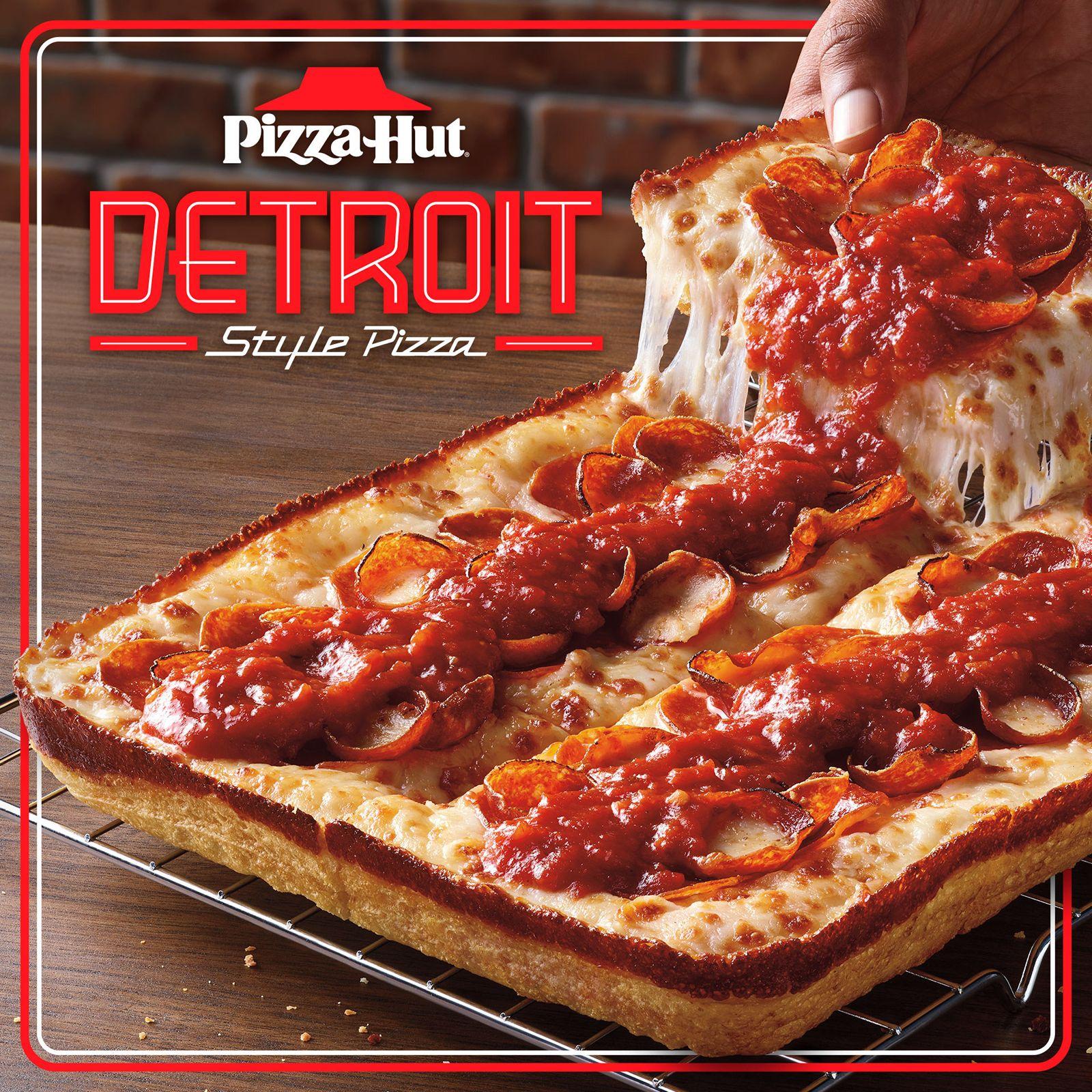De retour à la demande générale - Pizza Hut Detroit-Style revient dans tout le pays