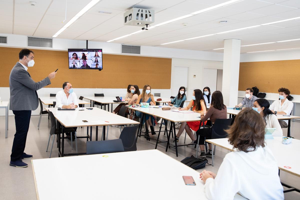 Une classe de l'Université San Pablo CEU.