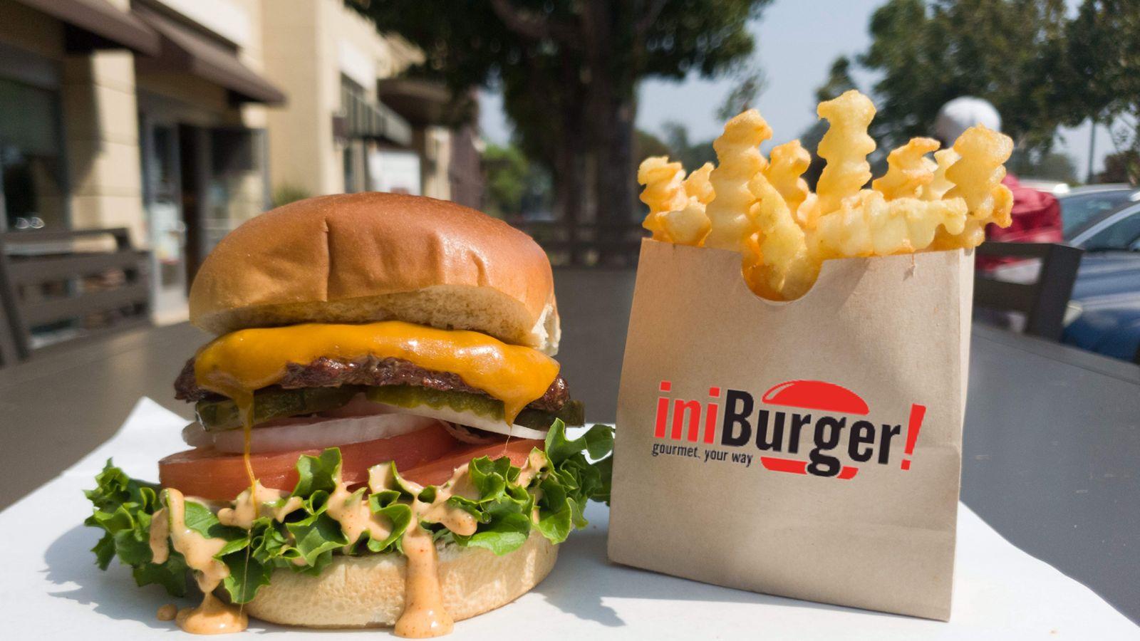 iniBurger, le concept de hamburger axé sur la communauté de la région de la baie, fera don d'un pourcentage des ventes d'août et de septembre à l'International Rescue Committee