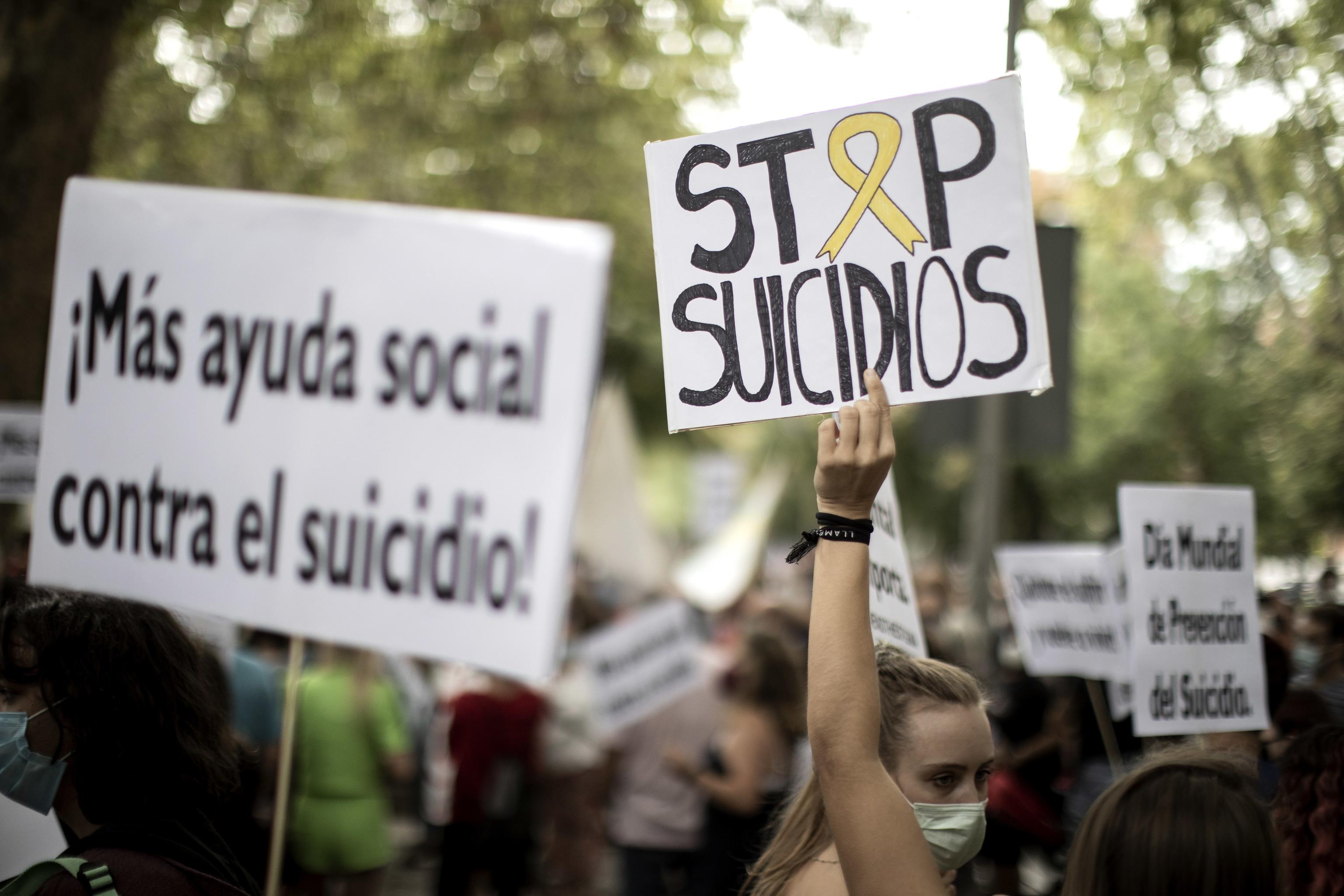 Manifestation à Madrid pour demander plus de moyens contre le suicide.