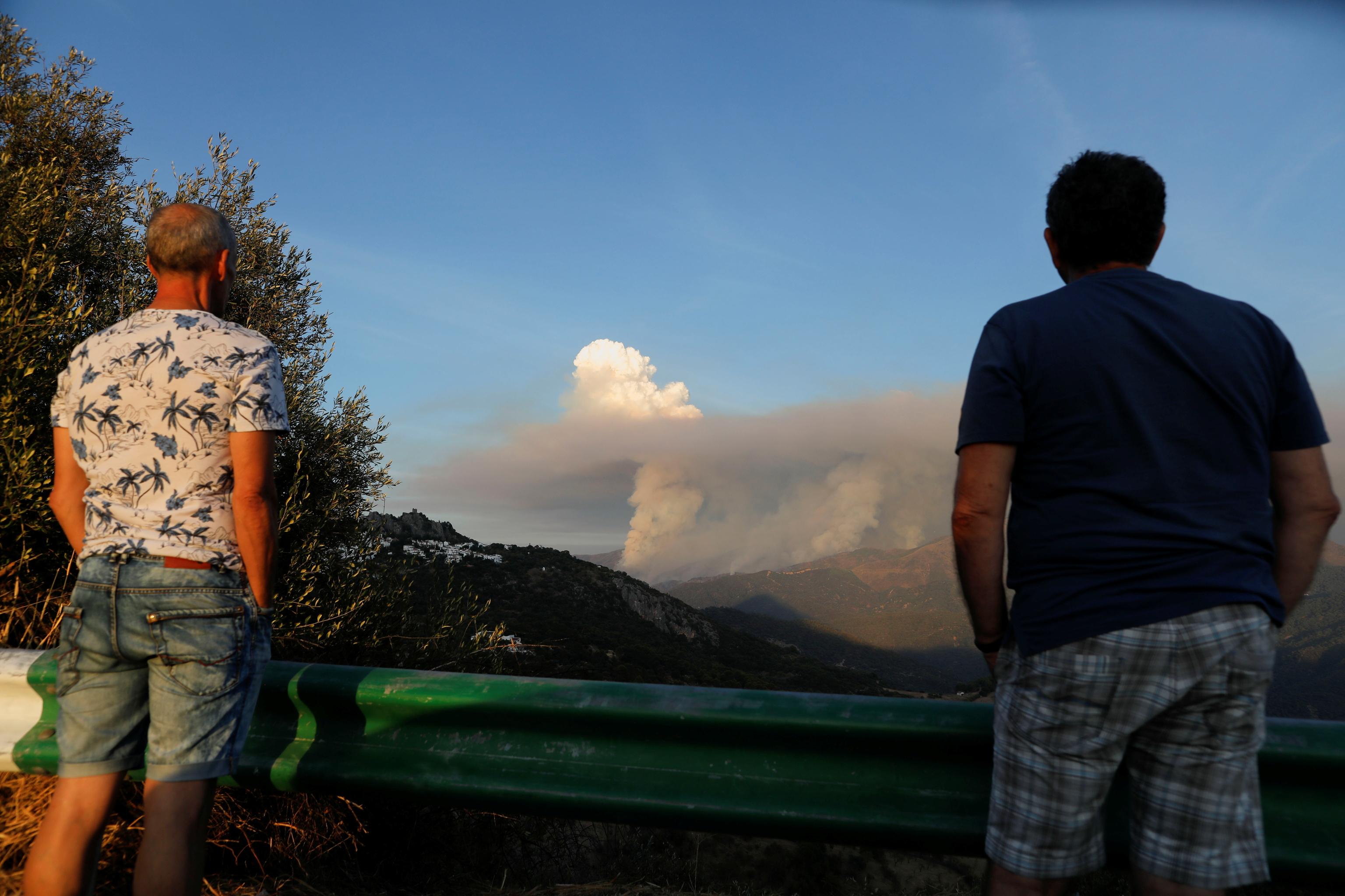 """Nuages de fumée appelés """"piroc"""