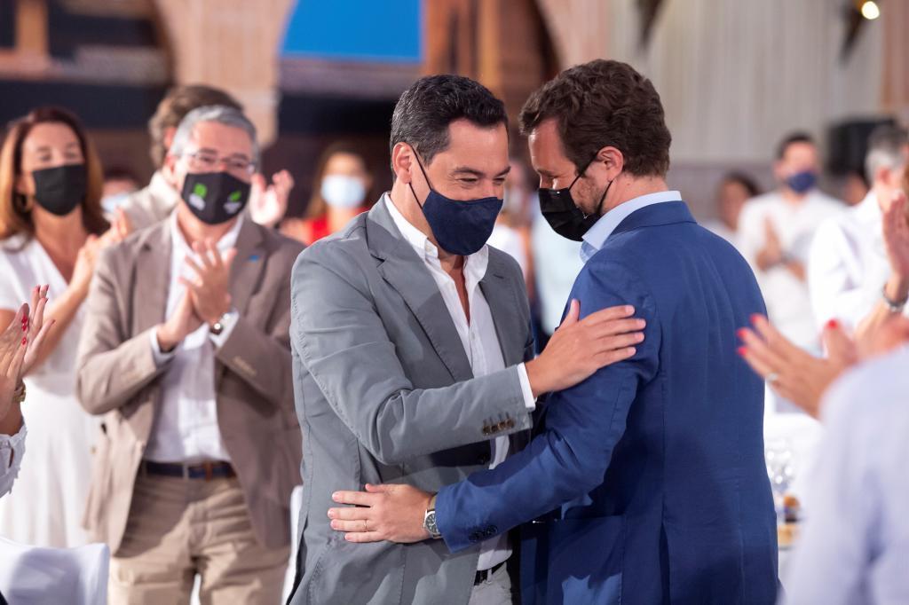 Juanma Moreno et Pablo Casado, ce vendredi, dans un acte du PP-A à Alhaur