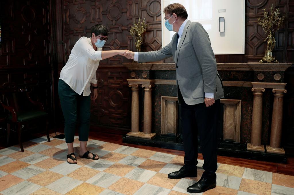 Pilar Lima accueille Ximo Puig, ce jeudi au Palau de la Generalitat.